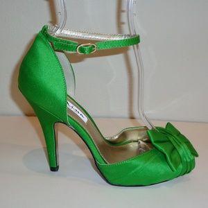 Nina Size 6.5 ELLA Green Luster Satin Heel Sandals